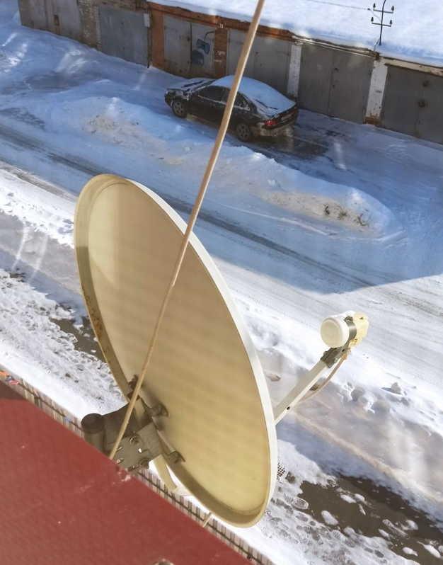 sputnikovaya-antenna-ustanovlena